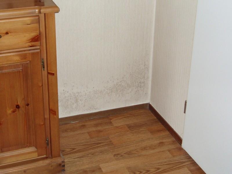 20170322 175833 bruine vlekken badkamer - Bruine en beige badkamer ...